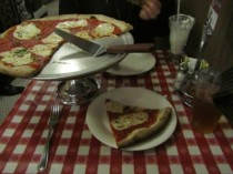 Pizza at Lombardi's (first pizzeria in the USA)