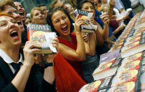 HP Book Release in Berlin (Photo: http://www.reuters.com/news/picture/waiting-for-harry-potter?articleId=USRTR2OI0Y#a=1)