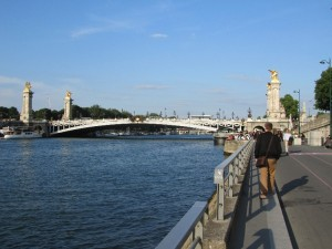 Approaching Pont Alexandre III from the west